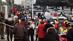 Mientras China reporta más casos de COVID-19, universitarios revelan inquietudes por políticas de cierre