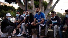 """Canarias recibió 750% más de migrantes ilegales en 2020, elevando críticas por """"atentado a la soberanía"""""""