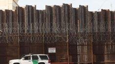 """La Administración Biden suspende el programa """"permanecer en México"""" para los solicitantes de asilo"""