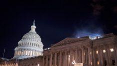 Trump firma una medida provisional de dos días para evitar el cierre del gobierno