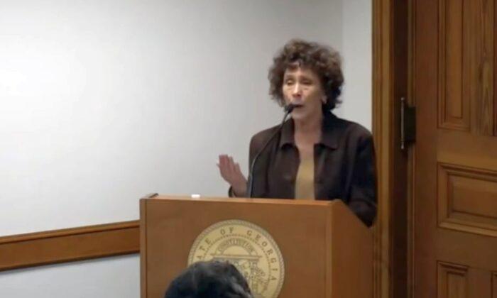 Debbie Fisher (captura de pantalla de NTD Live)