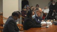 Trabajadora de Detroit dice que funcionarios le ordenaron retroceder fecha de los votos