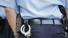 """Policía mexicano devuelve bolso perdido con 30,000 pesos: """"Era para comprar un tanque de oxígeno"""""""
