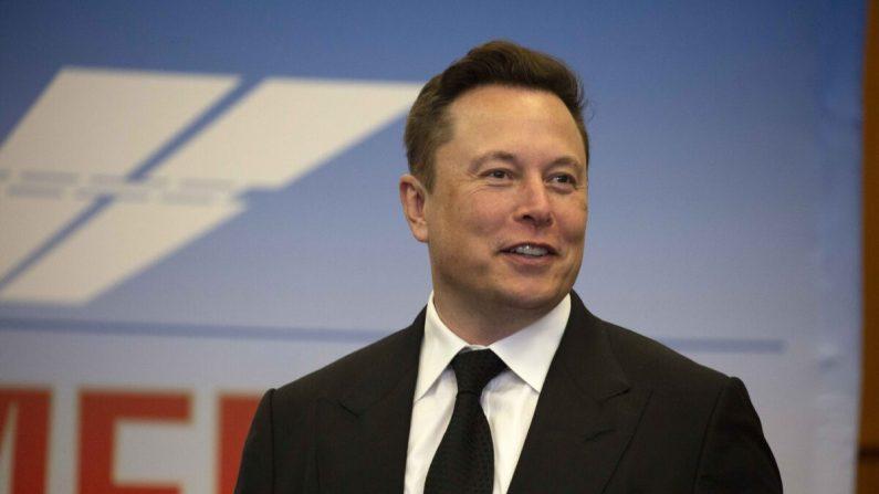 El CEO de Tesla Inc. Elon Musk participa en una conferencia de prensa en el Centro Espacial Kennedy en Cabo Cañaveral, Florida, el 27 de mayo de 2020. (Saul Martinez/Getty Images)