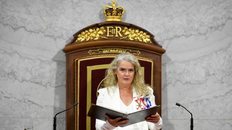 La gobernadora general de Canadá, Julie Payette, pronuncia el discurso del trono en el Senado, mientras el parlamento se prepara para reanudarse en Ottawa, Ontario, Canadá, el 23 de septiembre de 2020. (Foto de Adrian Wyld / POOL / AFP). a través de Getty Images)