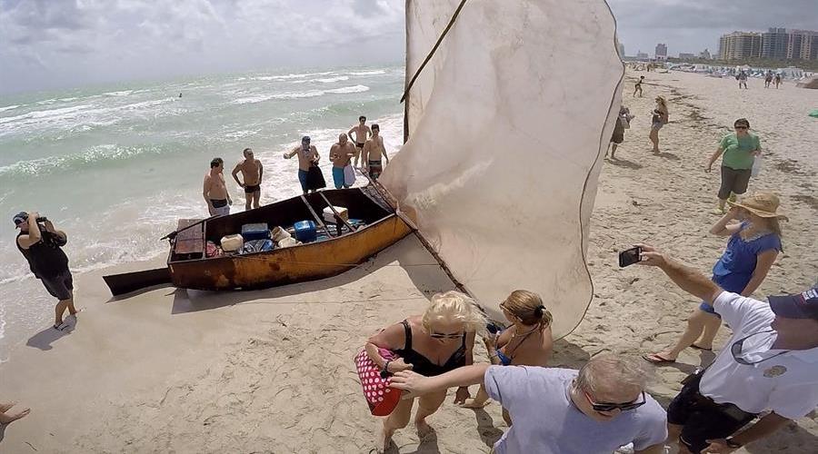 Encuentran cadáver cerca del lugar de un desembarco de inmigrantes en Florida