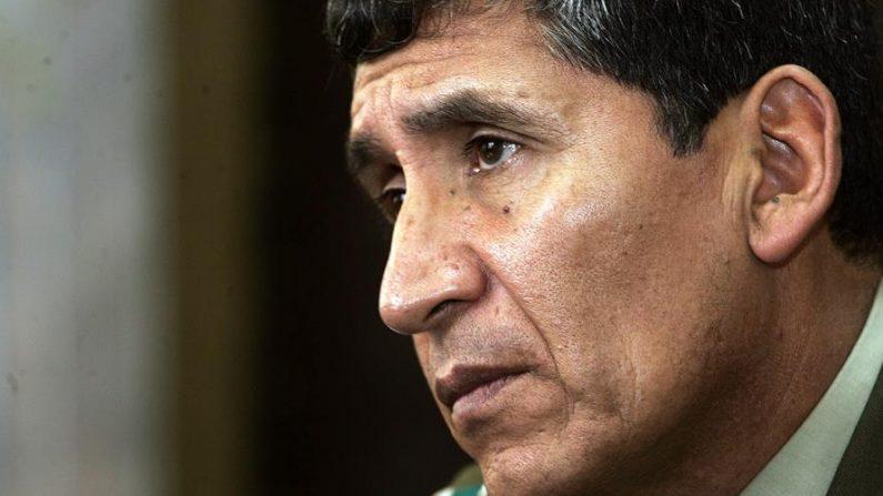 En la imagen, el general retirado René Sanabria, exjefe nacional de la fuerza antinarcóticos boliviana. EFE/Martín Alipaz/Archivo