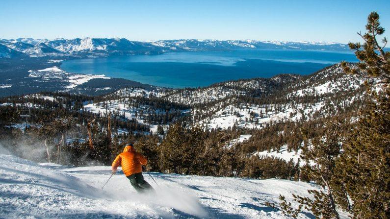 Esquiar con una vista única, en Heavenly Mountain Resort. (Cortesía de Tahoe South)