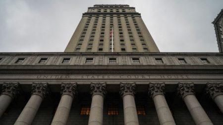 """Los jueces federales dicen """"No"""" nuevamente a los límites de Cuomo sobre la asistencia a iglesias"""