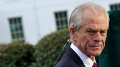"""Navarro: si el impeachment de Trump prosigue, Biden puede """"olvidarse de la unidad"""""""