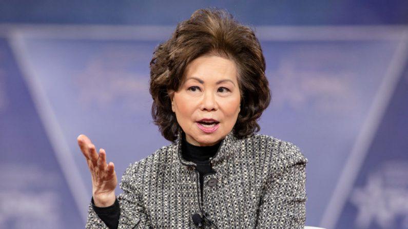 La secretaria del Departamento de Transporte Elaine Chao habla durante la Conferencia de Acción Política Conservadora 2020 (CPAC) auspiciada por la Unión Conservadora Americana el 28 de febrero de 2020 en National Harbor, MD. (Samuel Corum/Getty Images)