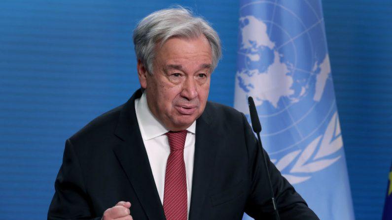 El secretario general de la ONU, António Guterres, se dirige a los medios de comunicación durante una conferencia de prensa conjunta con el ministro de Relaciones Exteriores alemán, Heiko Maas, después de una reunión el 17 de diciembre de 2020 en Berlín, Alemania. (Michael Sohn - Pool / Getty Images)