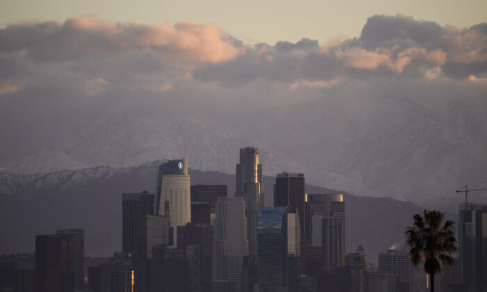 El horizonte del centro de Los Ángeles, en Los Ángeles, el 29 de diciembre de 2020. (Patrick T. Fallon/AFP a través de Getty Images)