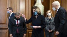 Pelosi impone una multa de USD 5000 a legisladores que evadan detectores de metales en Capitolio