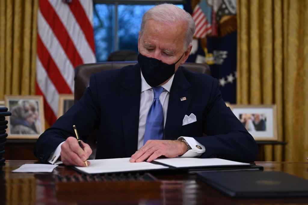 """Expertos advierten """"devastador"""" impacto económico en EE.UU. por regreso al Acuerdo Climático de París"""