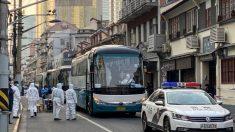 Llevan a residentes chinos en epicentros del virus a lugares desconocidos para cuarentena masiva