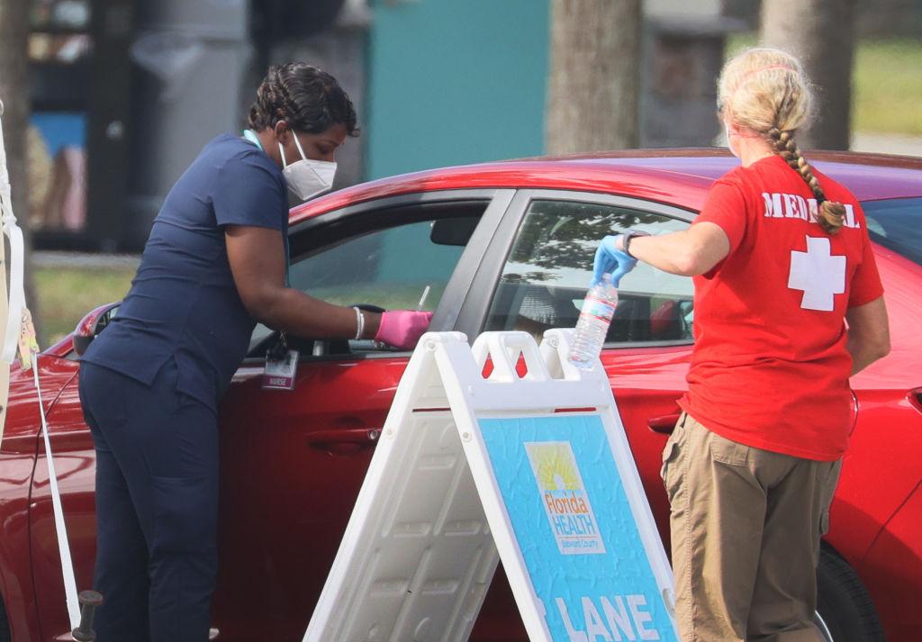 Florida contabiliza más de 1.6 millones de casos del virus del PCCh desde marzo