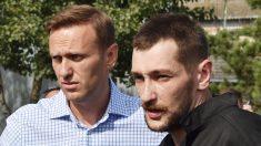 Condenan a dos meses de arresto domiciliario a hermano y aliados de Navalni