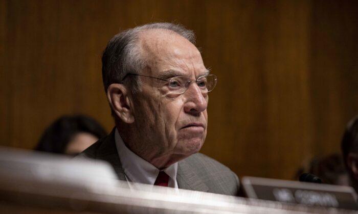 El senador Chuck Grassley (R-Iowa) en el Capitolio, en Washington, el 11 de junio de 2019. (Anna Moneymaker/Getty Images)