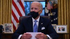 Biden deshace órdenes de desregulación de Trump