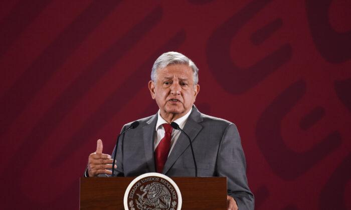 El presidente de México, Andrés Manuel López Obrador, habla durante su conferencia de prensa matutina en el Palacio Nacional en la Ciudad de México, el 31 de mayo de 2019 (ALFREDO ESTRELLA/AFP a través de Getty Images)