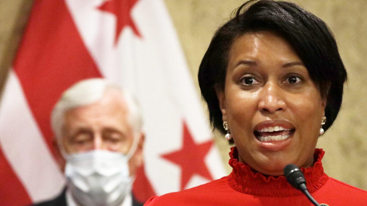 Washington DC ordena vacunación a maestros, trabajadores de guarderías y estudiantes deportistas