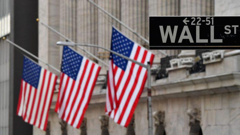 Bolsa de Nueva York (NYSE) en Wall Street en la ciudad de Nueva York, el 12 de enero de 2021. (ANGELA WEISS/AFP a través de Getty Images)