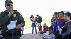 Juez federal extiende orden que bloquea pausa de 100 días de deportación de la administración Biden