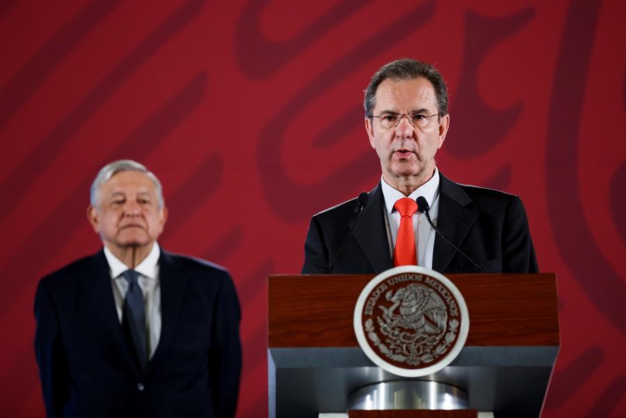 Estados Unidos aprueba a Esteban Moctezuma como embajador de México