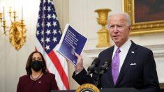 Biden anuncia estrategia nacional contra COVID-19, exigirá que viajeros extranjeros den negativo en test