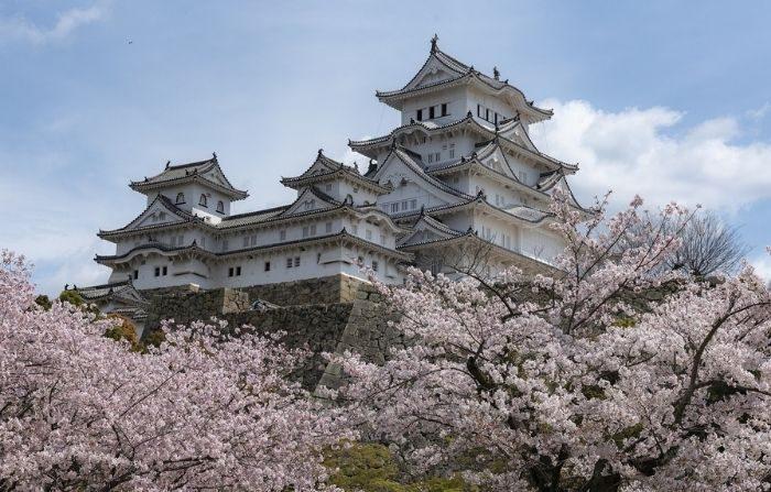 El castillo de Himeji, en el oeste de Japón, es el mejor ejemplo que se conserva de la arquitectura de castillos japoneses de principios del siglo XVII. (Nick115/Pixabay)
