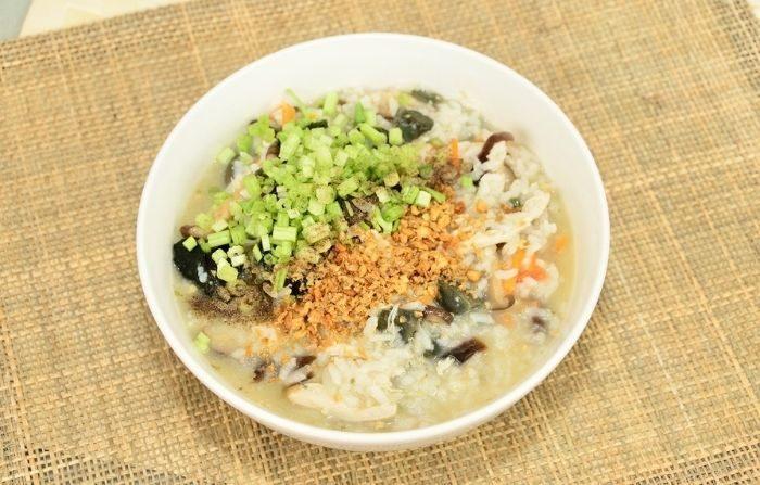 Congee, una sabrosa sopa de arroz, es un plato nutritivo. El espectro del comunismo no perfeccionó la temporada. (YEES/Pixabay)