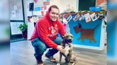 Hombre encuentra inesperadamente a su perrita perdida de tres patas en sitio de adopción 10 meses después