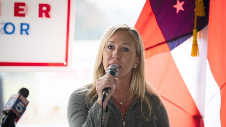 La entonces candidata republicana a la Cámara de Representantes de Georgia, Marjorie Taylor Greene, en una rueda de prensa en Dallas, Georgia, el 15 de octubre de 2020. (Dustin Chambers/Getty Images)