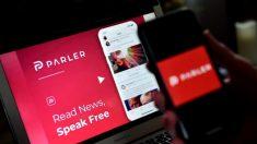 Parler afirma que Amazon dejó una brecha de seguridad adrede para que hackearan sus centros de datos