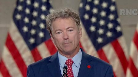Encargados del impeachment admitieron que Trump no fue impugnado por sus palabras: Senador Rand Paul