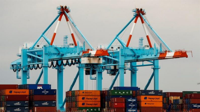 Vista del puerto de Newark, uno de los más grandes de Estados Unidos, en Elizabeth, Nueva Jersey, EE.UU. EFE/ Justin Lane/Archivo