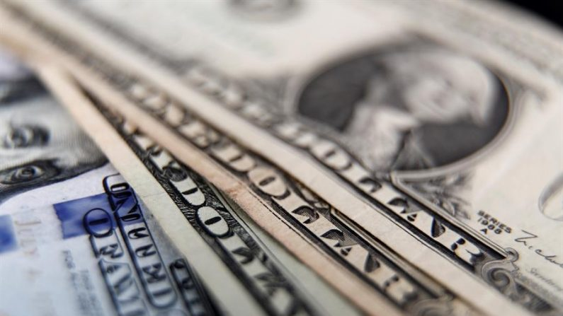 Vista de billetes de dólares. EFE/ Sebastiao Moreira/Archivo