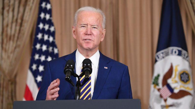El presidente Joe Biden habla sobre política exterior en el Departamento de Estado en Washington, el 4 de febrero de 2021. (SAUL LOEB/AFP a través de Getty Images)