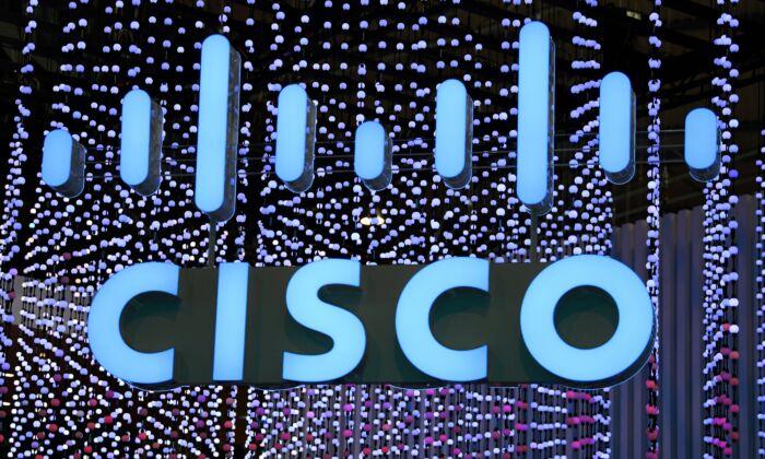 El logotipo de Cisco Systems se muestra en el Mobile World Congress (MWC), en Barcelona, España, el 25 de febrero de 2019. (GABRIEL BOUYS/AFP a través de Getty Images)