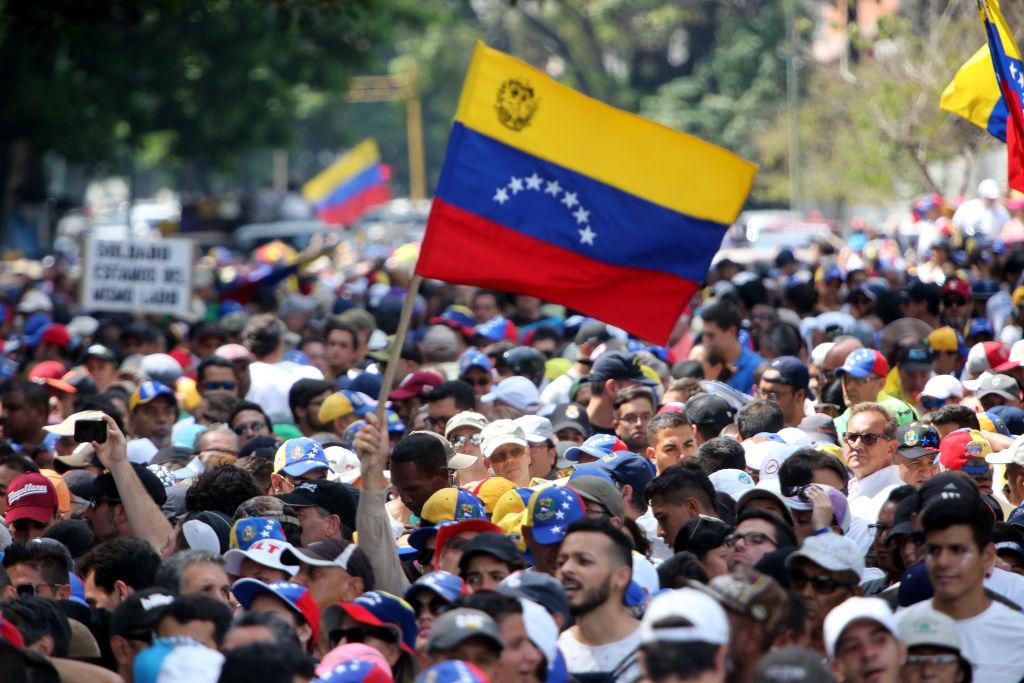 """EE.UU. apoya """"una solución integral y negociada"""" a la crisis en Venezuela"""
