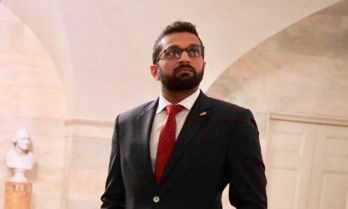 """El director principal de la lucha contra el terrorismo del Consejo de Seguridad Nacional, Kashyap """"Kash"""" Pramod Patel, en la Casa Blanca. (Alex Wong/Getty Images)"""
