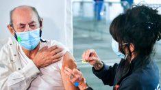 Muertes de ancianos que se recuperaron de COVID-19 pero fallecieron tras vacunarse plantean dudas