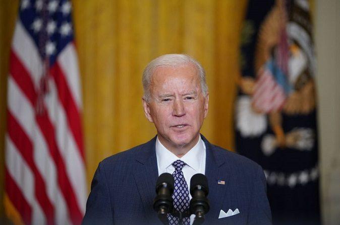 El presidente de Estados Unidos, Joe Biden, habla virtualmente en la Conferencia de Seguridad de Múnich en Alemania, desde la Sala Este de la Casa Blanca en Washington, DC, el 19 de febrero de 2021. (MANDEL NGAN/AFP vía Getty Images)