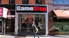 Usuarios de WallStreetBets instan a otros a no comprar plata, dicen: quédense con Gamestop