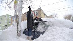Anciana sobrevive en EE.UU. encerrada cuatro días en su vehículo por la nieve