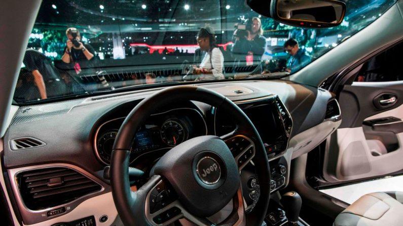 El Jeep Cherokee 2019 se presenta durante una vista previa para la prensa en el 2018 North American International Auto Show (NAIAS) en Detroit, Michigan, el 16 de enero de 2018 (Jewel Samad / AFP a través de Getty Images).