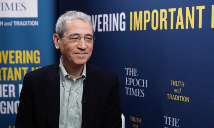El analista de China, Gordon Chang, en la Conferencia de Acción Política Conservadora 2021 en Orlando, Florida, el 25 de febrero de 2021. (Tal Atzmon/The Epoch Times)