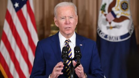 Biden ordenará un aumento enorme al límite de refugiados en medio de la pandemia del COVID-19