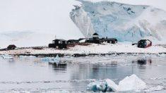 Exmeteorólogo de 91 años recupera su billetera perdida hace 53 años en la Antártida: ¡Estaba intacta!